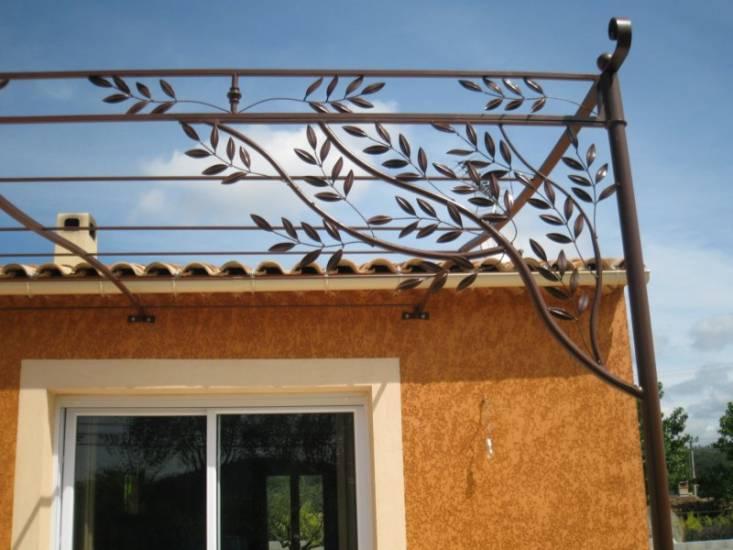 Pergolas en fer forg saint maximin var d coration olivier ferronnier var 83 ferronnerie d for Peinture sur fer forge