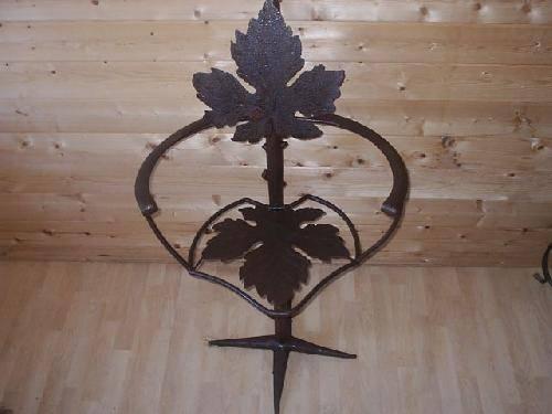 fauteuil en fer forg feuilles de vigne ferronnier var 83 ferronnerie d 39 art la reinette. Black Bedroom Furniture Sets. Home Design Ideas