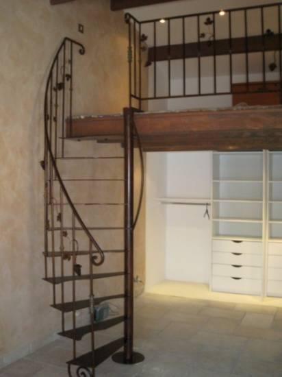 Escalier en fer pour une mezzanine marseille ferronnier var 83 ferronneri - Escalier pour mezzanine ...