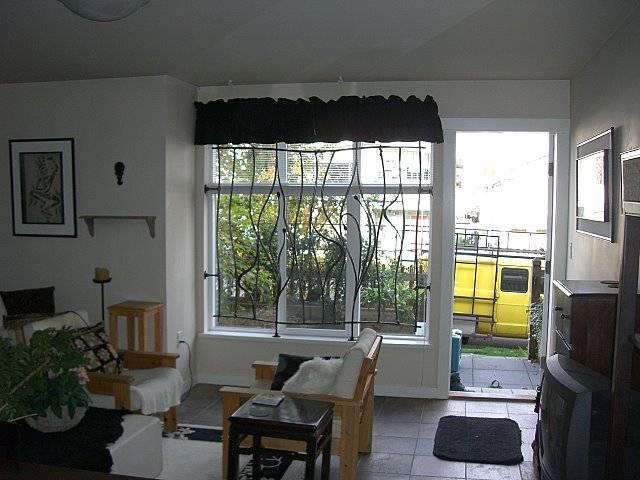 Assez Grille de fenêtre à Aix en Provence en fer forge style ART DECO  CX82