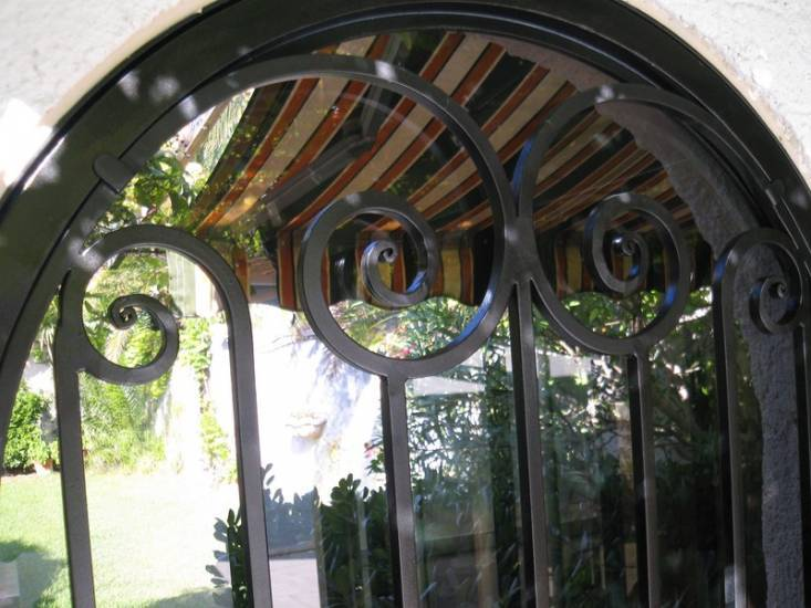 Porte en fer forg et verre style le muy pictures to pin for Porte fer forge exterieur