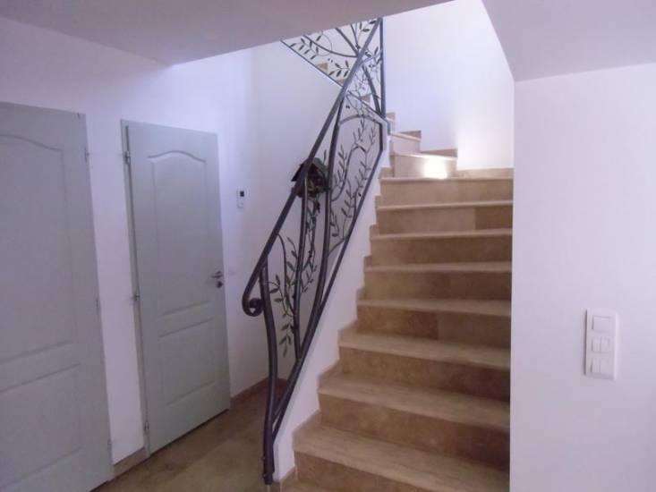 Pin Cette Rampe Pour Escalier Et Balustrade Est Faite De Bois Et Est