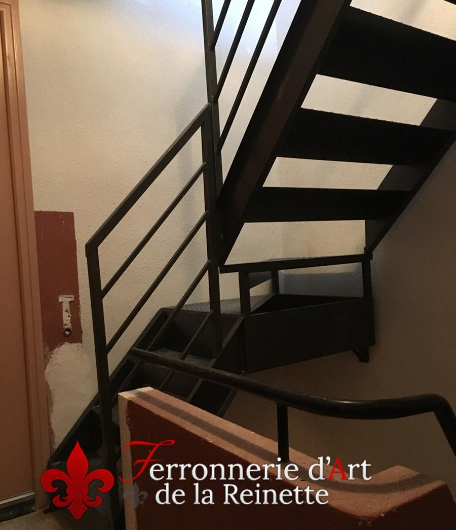 Escalier Et Garde Corps En Fer Plein A Aix En Provence 13