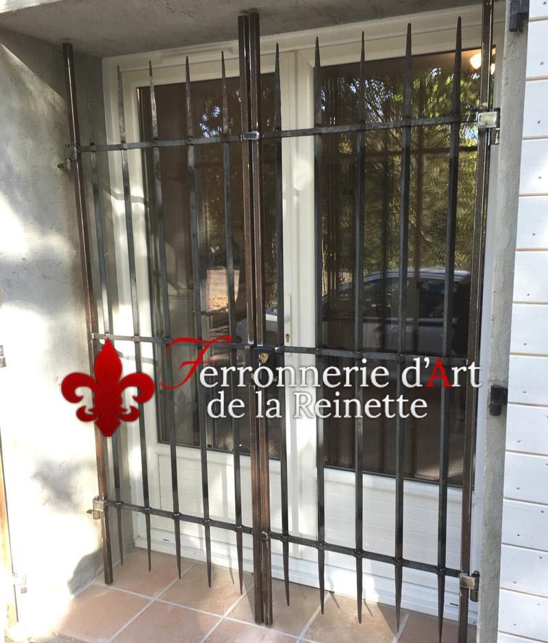 grille de porte fen tre en fer aix en provence 13 ferronnier var 83 ferronnerie d 39 art la. Black Bedroom Furniture Sets. Home Design Ideas