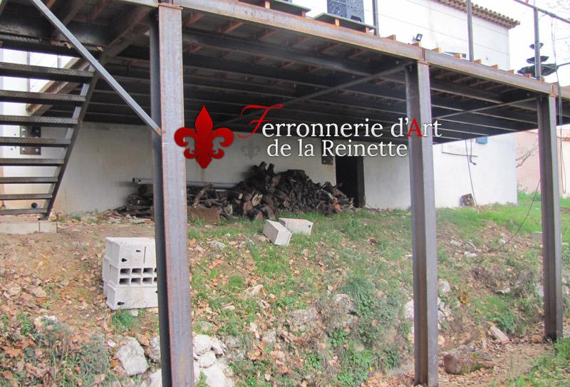 Terrasse sur pilotis structure metal à Hyères  Ferronnier Var 83