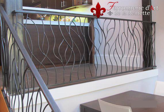 Rampe d 39 escalier sur mesure et portail saint maximin for Rampe escalier moderne