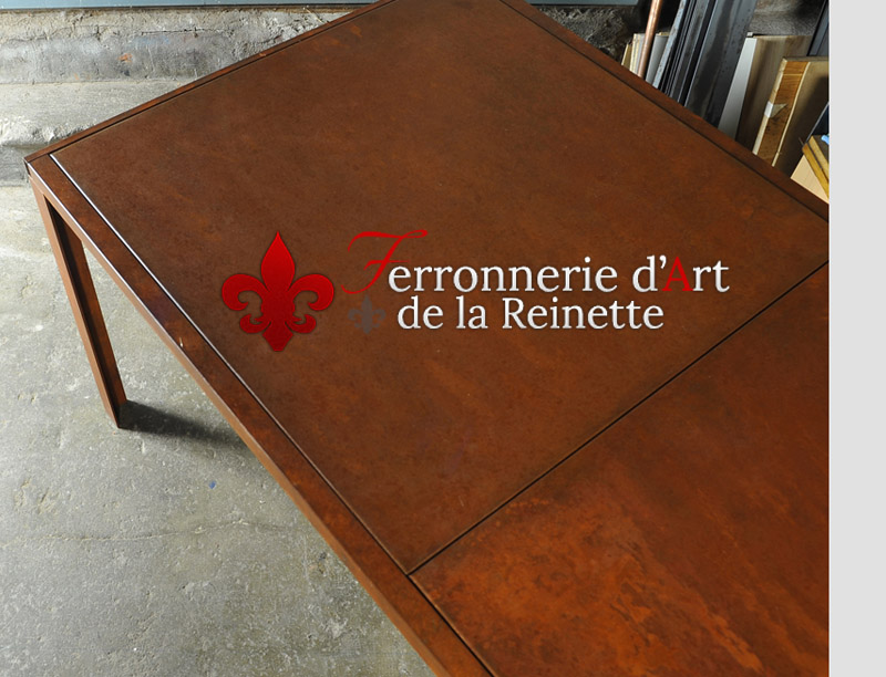 table en acier corten effet rouill bandol ferronnier var 83 ferronnerie d 39 art la reinette. Black Bedroom Furniture Sets. Home Design Ideas
