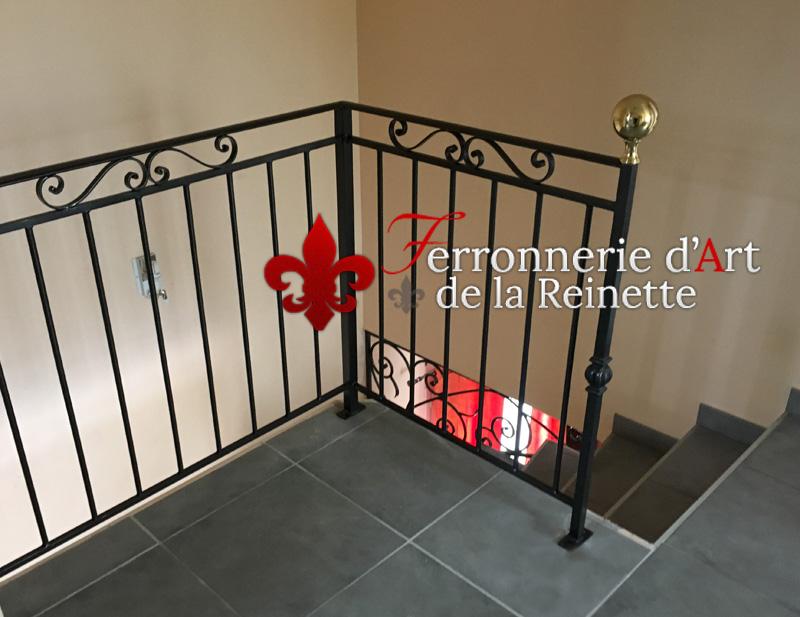 cr ation de rampe d 39 escalier et de garde corps brignoles ferronnerie d 39 art la reinette. Black Bedroom Furniture Sets. Home Design Ideas
