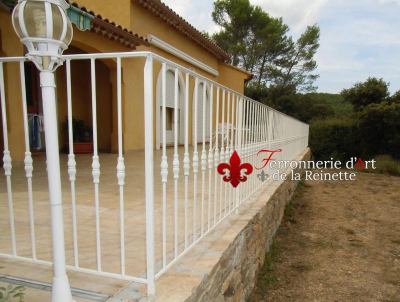 barriere en fer pour terrasse cheap r uealisation d uun garde corps en fer forg ue pour un. Black Bedroom Furniture Sets. Home Design Ideas