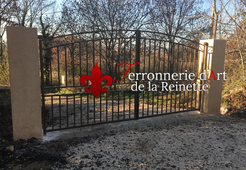 R alisation de portail en fer forg brignoles for Portail entree propriete