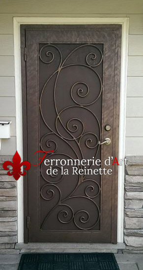 fabrication de portails portes et grilles sur mesure dans le var ferronnerie d 39 art la reinette. Black Bedroom Furniture Sets. Home Design Ideas