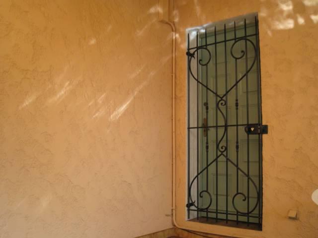 grille de porte en fer forg toulon petit budget ferronnier var 83 ferronnerie d 39 art. Black Bedroom Furniture Sets. Home Design Ideas