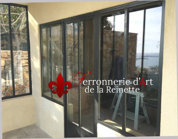 Ensemble porte et baie vitr e style atelier artiste hy res 83 ferronnier var 83 ferronnerie - Porte vitree style atelier ...